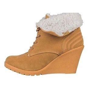 Dámske zimné topánky s podpätkom Adidas vel. EUR 42, UK 8